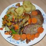 Karkówka w musztardzie z marchewką i pieczonymi ziemniakami